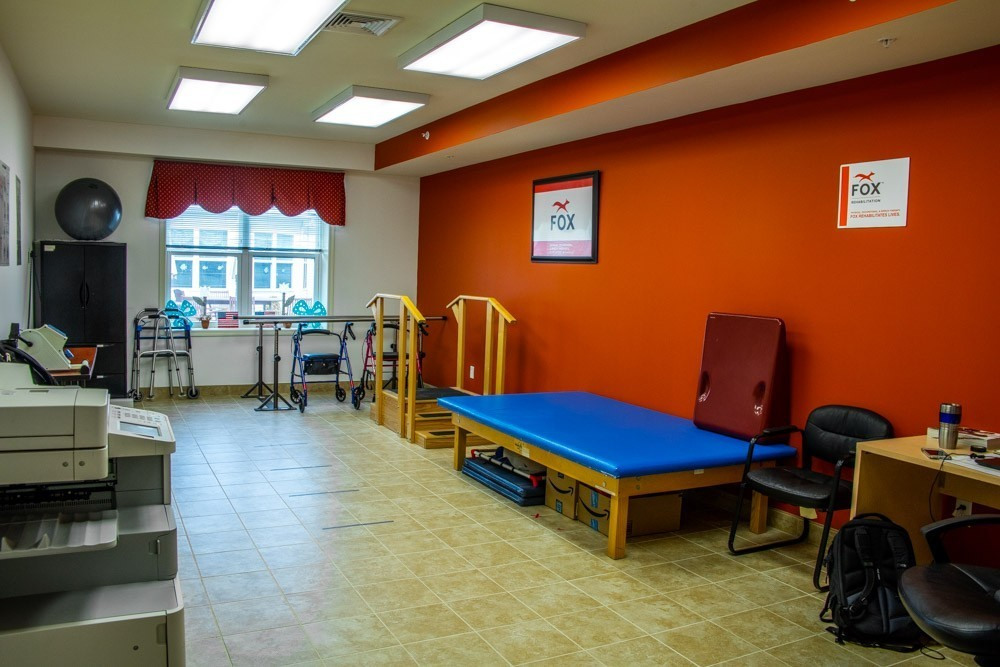 Cheerful rehab facility with a wide range of equipment.